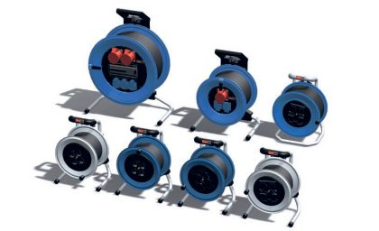 Промышленные удлинители на металлических и пластиковых барабанах с комбинациями розеток.
